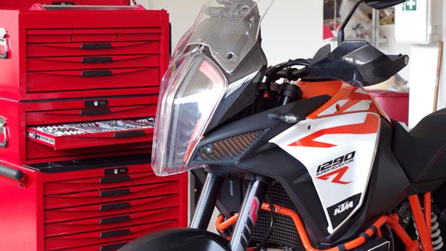 Officina elaborazione preparazione riparazione moto Chiasso Milano Como