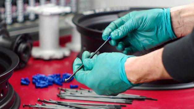 Raggiatura cerchi raggi riparazione ruote